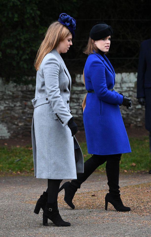 Prinsessat Beatrice ja Eugenie ovat läheisiä.