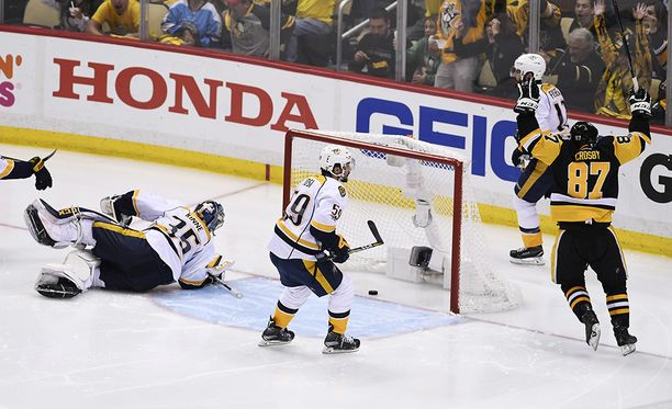 Pekka Rinne ei ole ollut parhaimmillaan finaalisarjassa Pittsburghia vastaan.