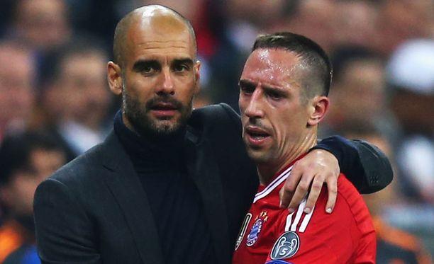 Franck Ribéry arvostelee täksi kaudeksi Bayernin peräsimeen tullutta Pep Guardiolaa.