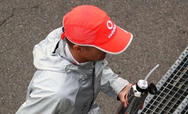 Heikki Kovalainen Spa-pesti alkoi sateisissa merkeissä.