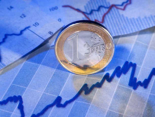 EU:n talouskasvun povataan jatkuvan myös ensi vuonna.