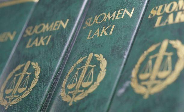 Oikeusasiamiehelle tehtyjen kanteluiden määrä on kasvanut samalla kun verkkoasiointi on helpottanut yhteydenottoja.