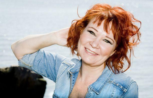 Vicky Rosti aloitti keikkailun teini-iässä.