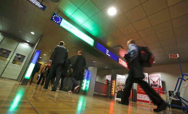 Jos liikut Helsinki-cvantaan lentokentällä, liikkeistäsi hankitaan tietoa.