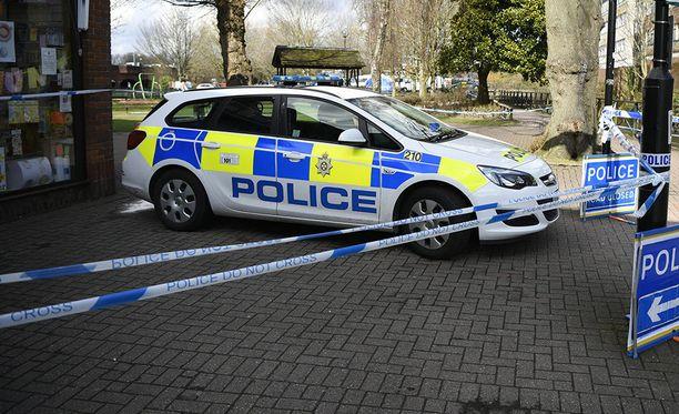 Poliisi on vahvistanut, että sunnuntaina Britannian Salisburyssa sattuneissa äkillisissä sairastapauksissa ei olut kyse novitshok-hmyrkytyksistä.