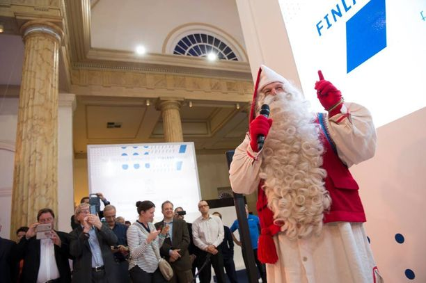 """Markkinointikanavat ovat kunnossa. Suomalainen joulupukki on lyönyt läpi jo kiinalaisten """"Facebookissa"""" eli Weibossa, jolla on satoja miljoonia käyttäjiä. Olympialaisten aikaan joulupukki piipahti Rio de Janeirossa asti."""