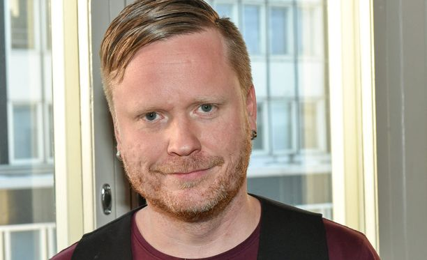 Sami Minkkisen ero kuohuttaa laajasti sosiaalisessa mediassa. Minkkisen Havaintoja parisuhteesta -blogi on todella suosittu.