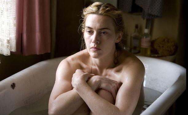 Kate Winsletin tähdittämä Lukija tulee Netflixiin.