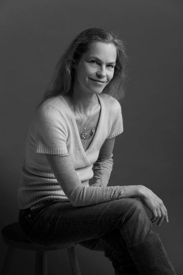 Katja Kiuru on näyttelijäntyönsä ohessa opiskellut psykoterapeutiksi. Hän on nykyisin 51-vuotias ja yhden aikuisen pojan äiti.