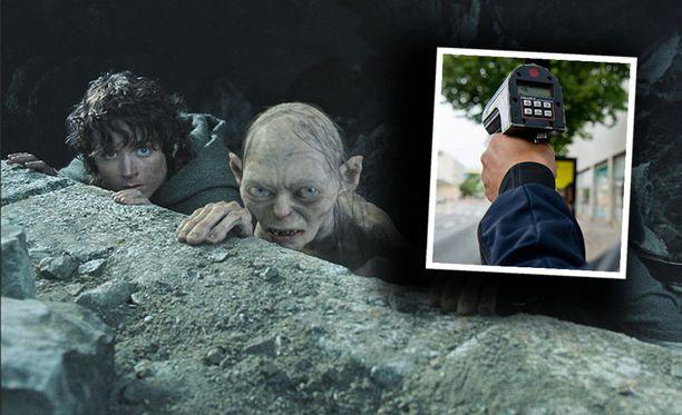 Frodo Reppuli ja Klonkku yrittävät piiloutua pahuuden voimilta Taru sormusten herrasta -trilogian elokuvaversiossa.