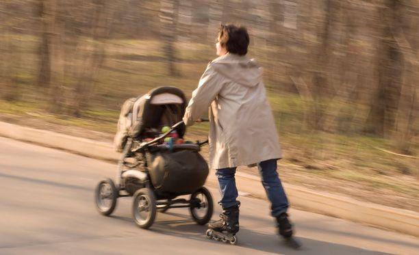 Tuoreiden tutkimustulosten mukaan elintapaohjauksella voidaan vaikuttaa äidin terveyteen vielä vuosi synnytyksen jälkeenkin.