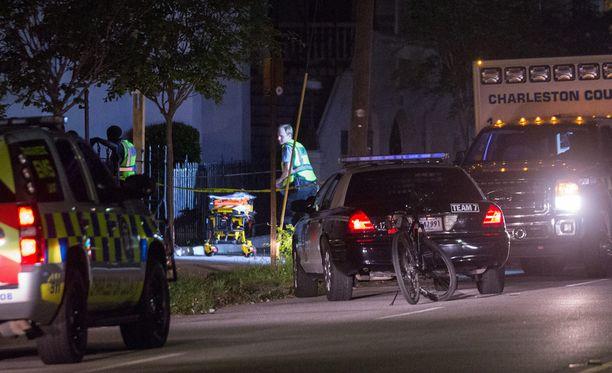 Ampuja surmasi kirkossa yhdeksän ihmistä.
