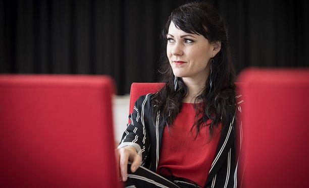 Mira Luoti ja monet muut turkulaiskoulun oppilaat joutuivat opettajan seksualisen hyväksikäytön uhreiksi.