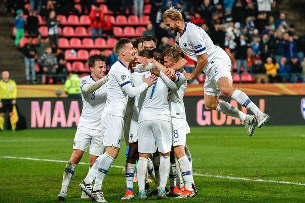 Suomi juhli kuukausi sitten Tampereella. Silloin Kreikka kaatui 2–0.