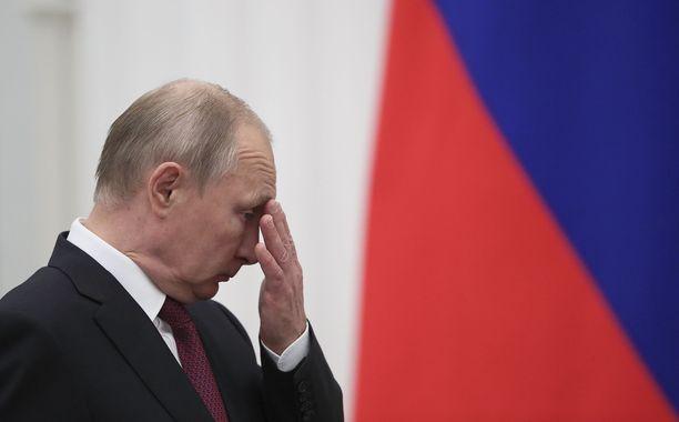 Vladimir Putinin suosio venäläisten keskuudessa on valtiollisen tutkimuslaitoksen mukaan laskenut.