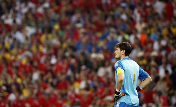 Iker Casillasin kisat päättyvät alkulohkoon.