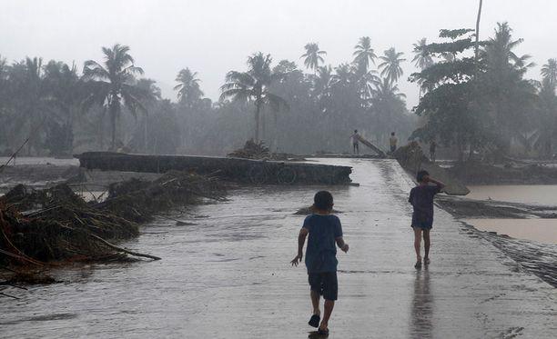 Filippiinien hirmumyrskyllä on ollut kohtalokkaita seurauksia.