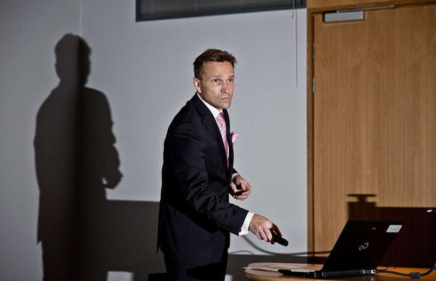 Ilmarisen varatoimitusjohtaja Timo Ritakallio perusteli päätöstä yhtiön tiedotteessa.