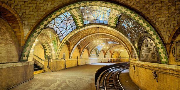 New Yorkin alta löytyy näin upea suljettu metroasema.