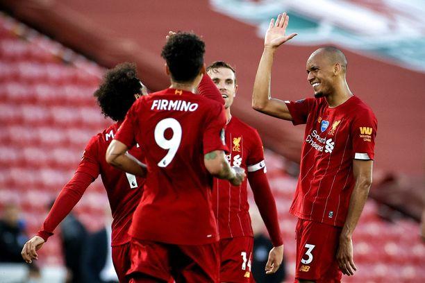 Liverpool juhlii Valioliigan mestaruutta.