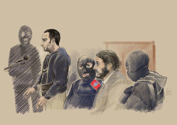 Artistin näkemys Salah Abdeslamista (2. oik.) oikeudessa maanantaina. Mies on kasvattanut vankeudessa pitkät hiukset ja parran.