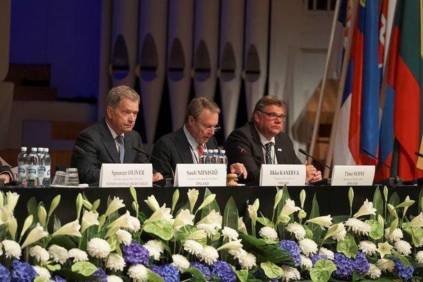 Suomen päätöstä on kummeksittu Etyj-kokouksen käytävillä.