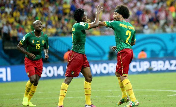 Kamerunin pelaajien tunteet kuumenivat otelun jälkeen.