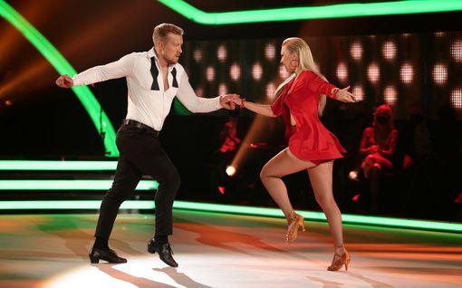"""Niklas Hagmanin tanssi kerää ylistystä, ex-jääkiekkoilija vaatimattomana: """"Ehkä isi jotain osaa"""""""