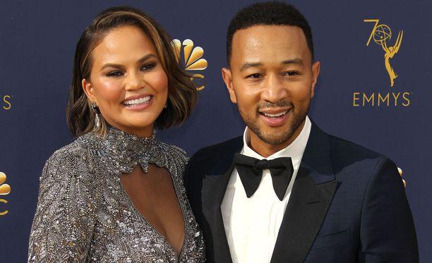 Kuvassa pari Emmy-gaalassa syyskuussa.