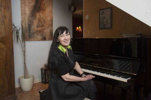 Saija Varjuksen vuosi vaihtui ikävissä merkeissä sairaalassa maaten. Kotiinsa Tervakoskelle hän päässee viikonlopuksi.
