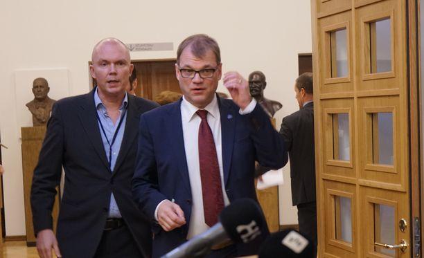 Suomen pääministeri Juha Sipilä kommentoi viesteistään syntynyttä kohua keskiviikkona eduskunnassa.