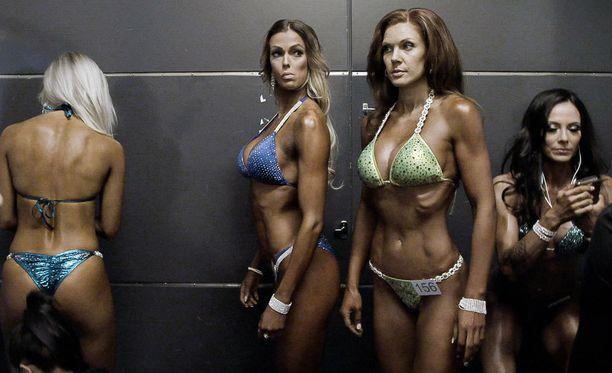 Bikini fitneksen harrastajista moni treenaa lähestulkoon ammattimaisesti.
