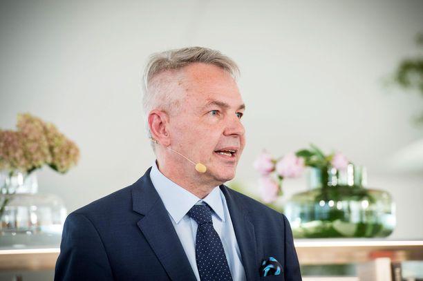 Ulkoministeri Haavisto on keskustan eduskuntaryhmän kuultavana.