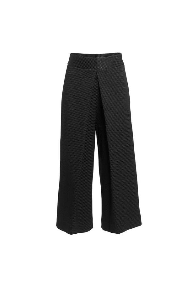 Culottesit eivät ole menossa muodista. Lindex Extended -malliston housuista, 69,95 e, saa viikonlopun ajan 25 prosentin alennuksen.