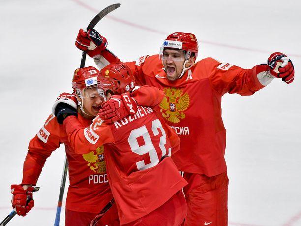 Aleksandr Ovetshkin (oik.) voitti NHL:n maalikuninkuuden. MM-kisoissa verkko on heilunut kahdesti.