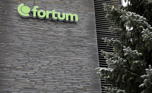 Fortumin yhteiskuntasuhteista vastaava johtaja Esa Hyvärinen vahvistaa oikeustoimet Iltalehdelle.