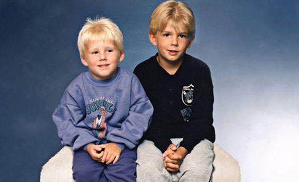 Robin Dahlénia ja Christian Karlssonia ei enää epäillä murhasta.