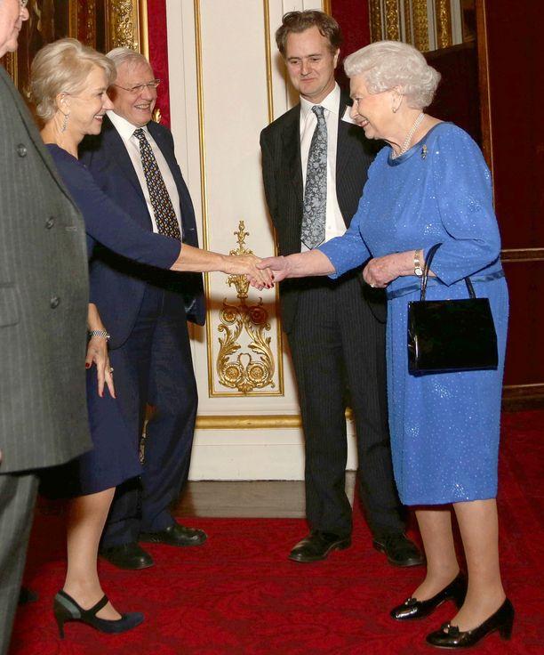Näyttelijä Helen Mirren ja kuningatar Elizabeth II ovat kuin kaksoset. Kuva vuodelta 2014.
