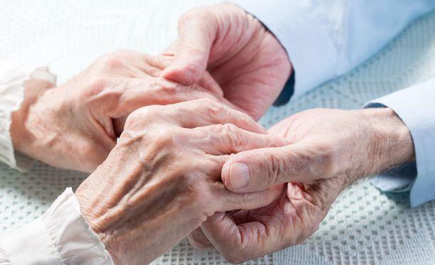 Seurakunnan hallintojohtaja Markku Laitinen uskoo, että vanhustyölle lahjoitettavat varat tulevat tarpeeseen.