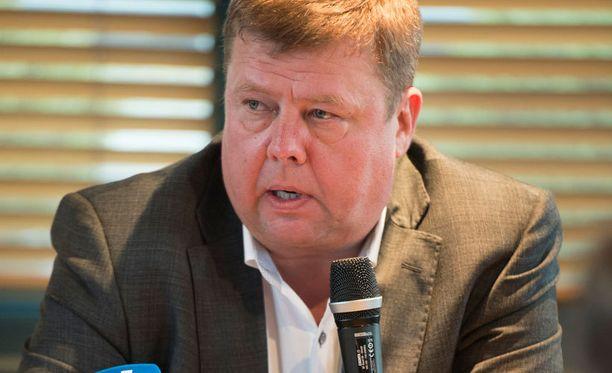 Talvivaaran toimitusjohtaja Pekka Perä kertoi Talvivaaran yrityssaneerauksesta marraskuussa 2013.