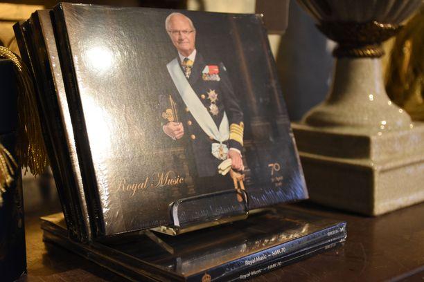 Kuninkaalle on laadittu oma 70-vuotisjuhlalevy.