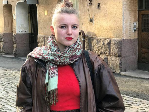 Anna-Maria Vänskä sanoo, että mitä vanhemmaksi on tullut, sitä helpompi apua on saada. - Pystyn nyt kertomaan helpommin tunteistani. Nuorena niiden sanoittaminen oli vaikeaa.