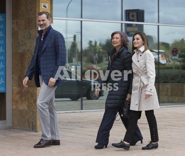 Myös kuningas Felipe vieraili kuningas Juan Carlosin luona sairaalassa.