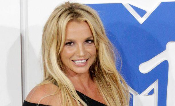 35-vuotias Britney Spears tunnetaan muun muassa kappaleistaan Gimme More, Piece of Me ja Womanizer.
