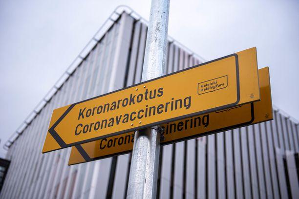 Suomessa 80 prosenttia on vielä ilman kahden rokoteannoksen suojaa.