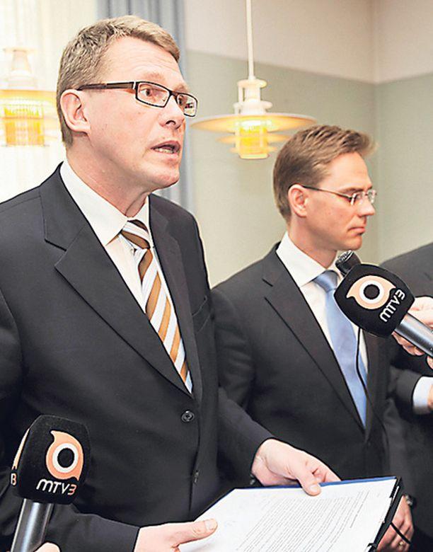 Pääministeri Matti Vanhasen luotsaama hallitus kärsi eläkesekoilussa arvovaltatappion.