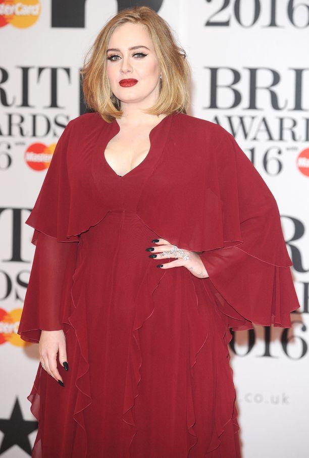 Adele kuuluu maailman menestyneimpien artistien joukkoon. Kuva vuodelta 2016.