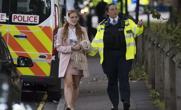 Useita ihmisiä loukkaantui, kun Parsons Greenin metroasemalle saapuneessa junassa räjähti.