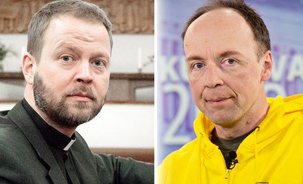 Helsingin piispa Teemu Laajasalo (vas.) haastattelee perussuomalaisten puheenjohtaja Jussi Halla-ahoa Kirkkopäivillä Jyväskylässä.