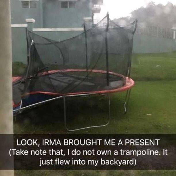 Hurrikaani toi lahjaksi trampoliinin.